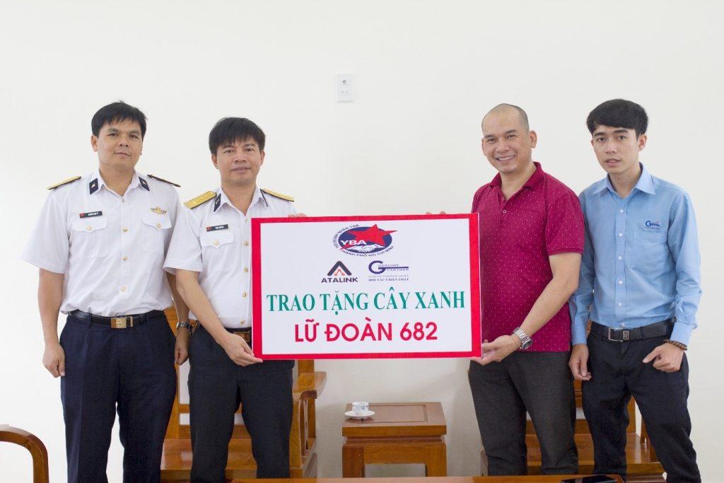 Hội Doanh nhân trẻ TP.HCM trao tặng cây xanh cho Lữ đoàn 628 – Phú Yên
