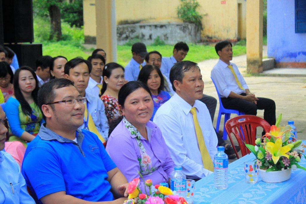 Đối Tác Chân Thật trao quà và học bổng cho học sinh trường THPT Trần Phú, tỉnh Phú Yên